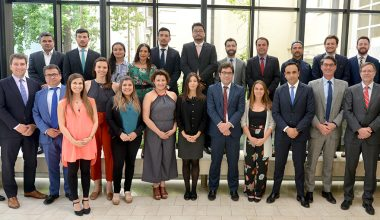 21 funcionarios de Antofagasta Minerals reciben diploma de Gestión Territorial y Desarrollo Minero impartido por UAI Corporate